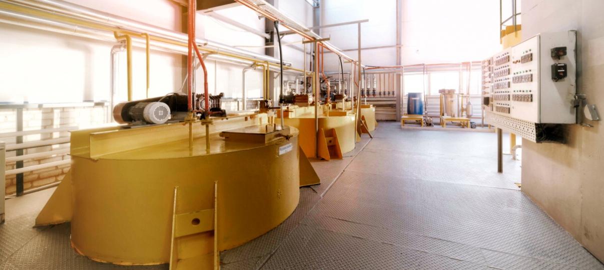 Холдинг осуществляет полный производственный цикл с ежесуточной переработкой подсолнечника в 500 тонн, что позволяет производить до 6000 тонн растительного масла в месяц.